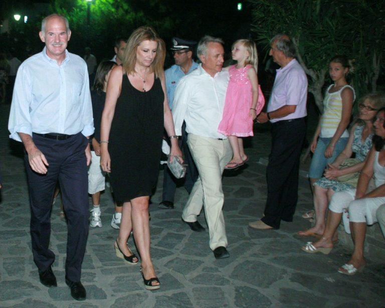 """""""Κάντε διακοπές χωρίς ενοχές"""" λέει ο πρωθυπουργός στους υπουργούς!   Newsit.gr"""