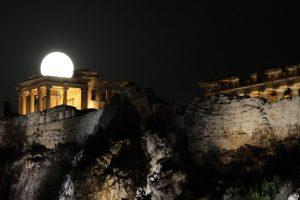 37.500 νέες άδειες παραμονής στην Ελλάδα το 2015