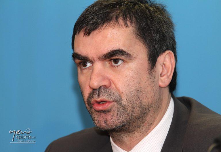 Η απάντηση του Παταβούκα στους υπαλλήλους της ΓΓΑ | Newsit.gr