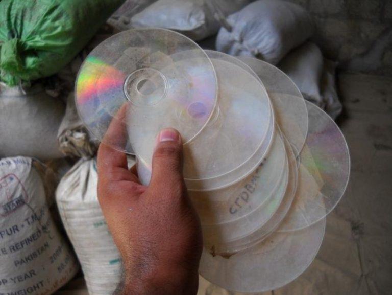 Ηράκλειο: Είχε στήσει εργαστήριο αντιγραφής CD και DVD στο σπίτι του! | Newsit.gr