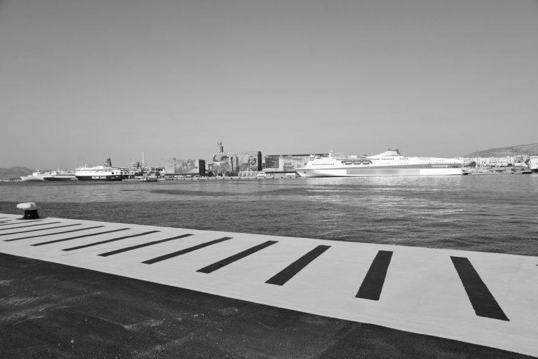 Πειραιάς: Νεκρός ο οδηγός αυτοκινήτου που έπεσε στο λιμάνι – Αδιευκρίνιστες οι συνθήκες | Newsit.gr