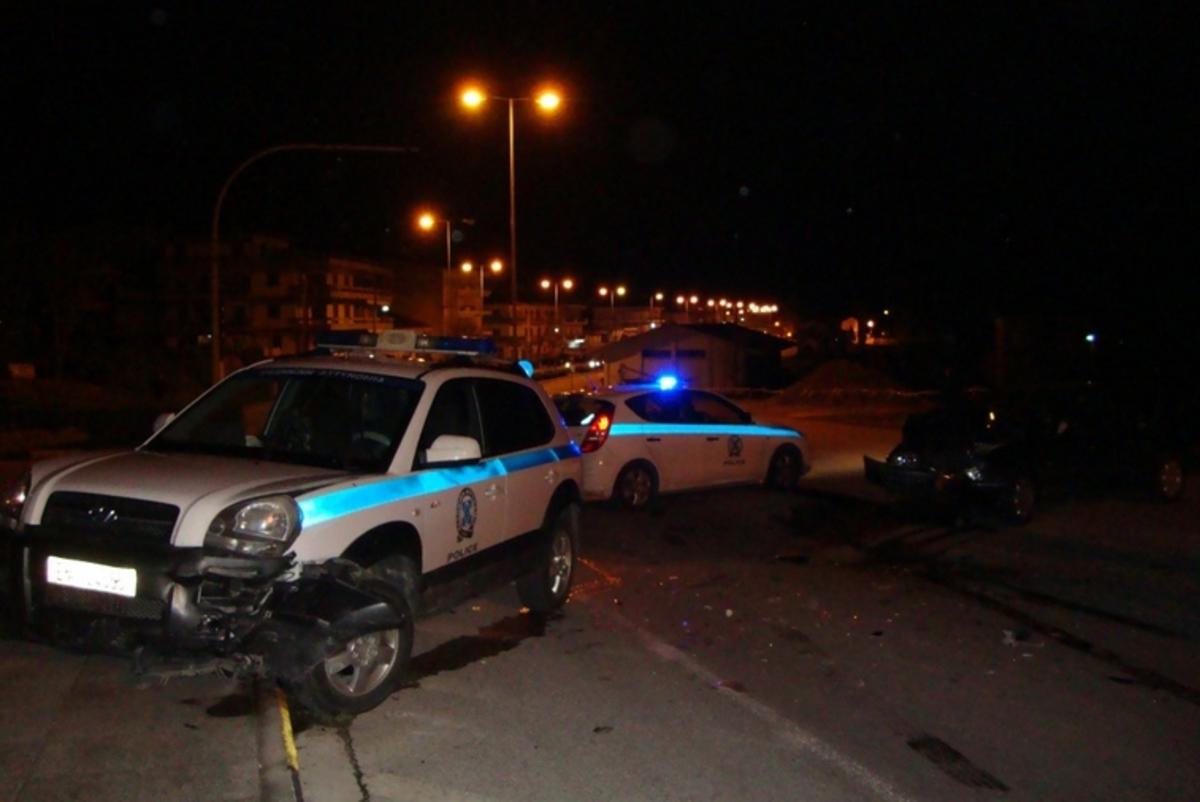 Καλαμπάκα: Τρεις τραυματίες από σύγκρουση περιπολικού με ΙΧ – ΦΩΤΟ | Newsit.gr