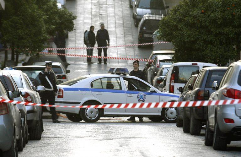 Ληστείες σε δύο σούπερ μάρκετ στο κέντρο της Αθήνας – «Μπούκαραν» με όπλα   Newsit.gr