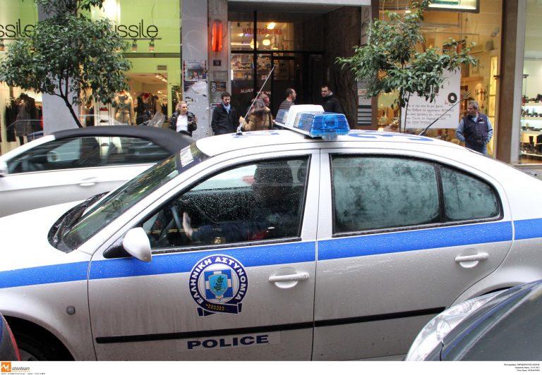 Επιδρομή κουκουλοφόρων στο Νομικό Συμβούλιο του Κράτους | Newsit.gr
