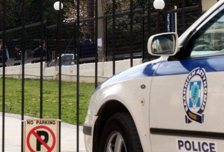 Τοξικομανείς έσπασαν περιπολικό της αστυνομίας στο κέντρο του Ηρακλείου | Newsit.gr