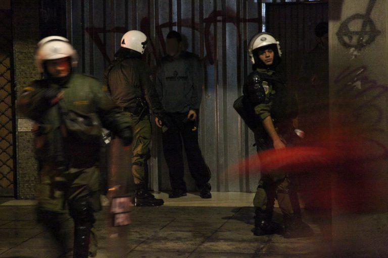 Συμμορίες ληστεύουν και τραυματίζουν πεζούς | Newsit.gr
