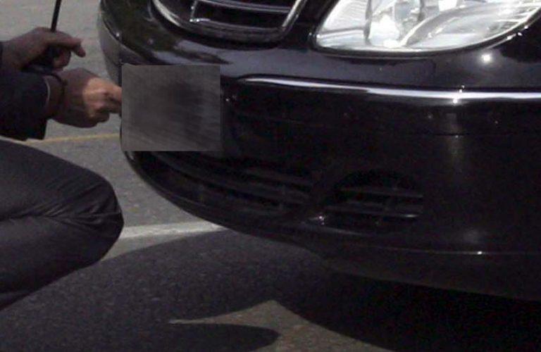 Συνελήφθη αστυνομικός που οδηγούσε αυτοκίνητο με πλαστές πινακίδες! | Newsit.gr
