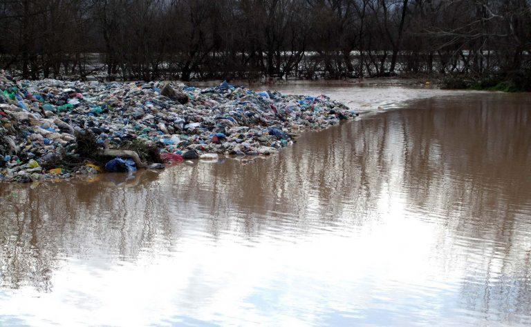 Πηνειός: Μια απέραντη χωματερή… | Newsit.gr