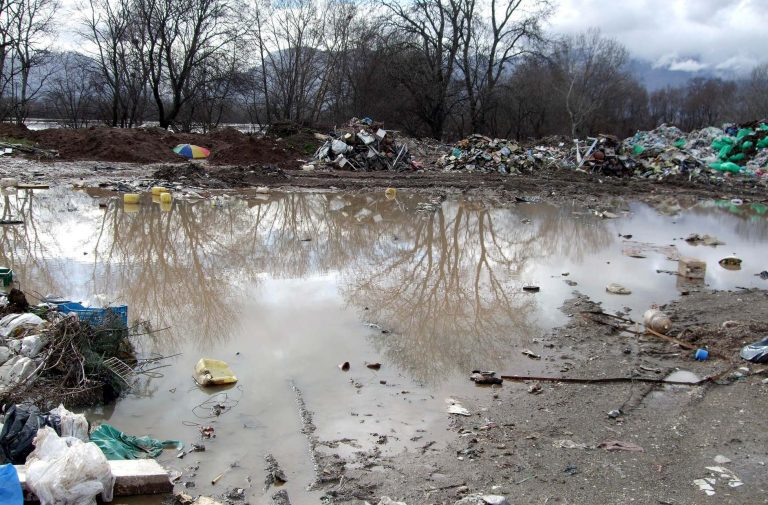 Λάρισα: Κλείνει εργοστάσιο που μόλυνε τον Πηνειό! | Newsit.gr