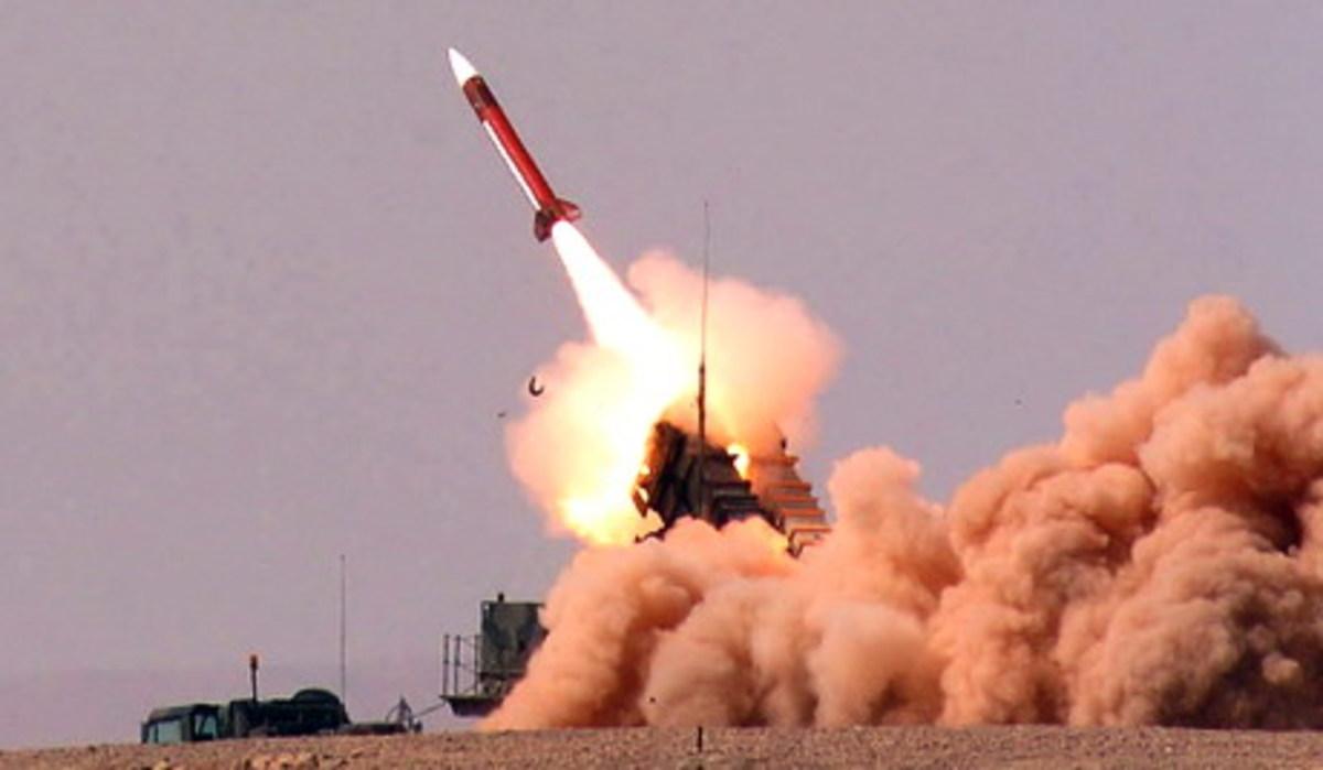 Πυραύλους αναχαίτισης στις εξέδρες φυσικού αερίου.Βίντεο   Newsit.gr