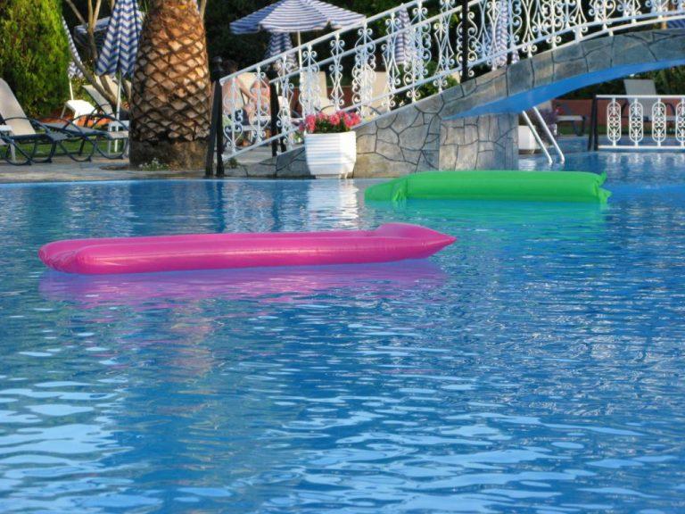 Χανιά: Παιδάκι παραλίγο να πνιγεί σε πισίνα ξενοδοχείου! | Newsit.gr