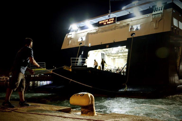 Ηγουμενίτσα: Έσπασε ο καταπέλτης πλοίου! Εγκλωβισμένοι 354 επιβάτες!   Newsit.gr