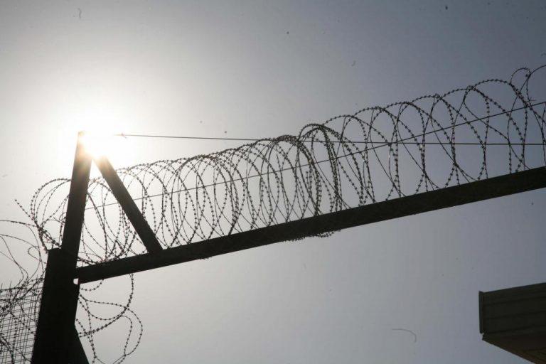 Κιλκίς: Μπήκαν στο στρατόπεδο και… έκλεψαν πόρτες! | Newsit.gr