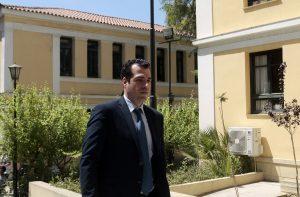 Θάνος Πλεύρης: Βγαίνει από το νοσοκομείο