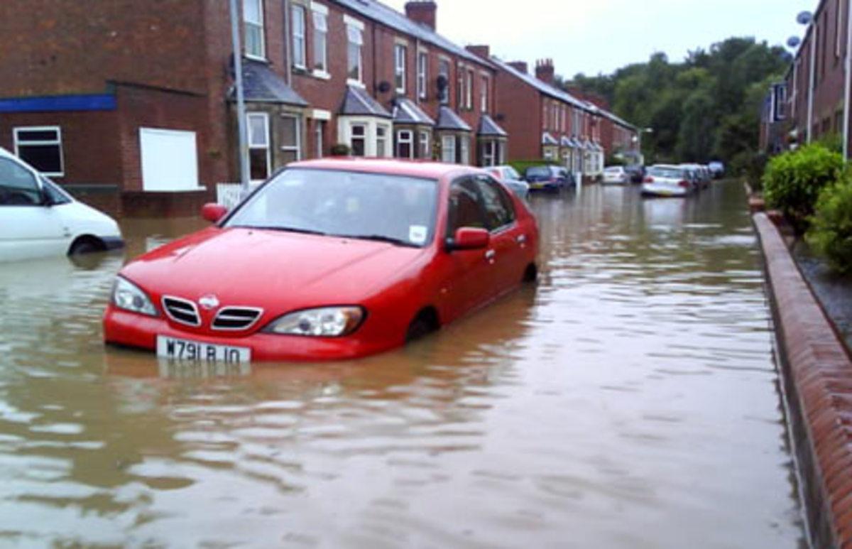 Εκατοντάδες άστεγοι από πλημμύρες στη Βρετανία   Newsit.gr