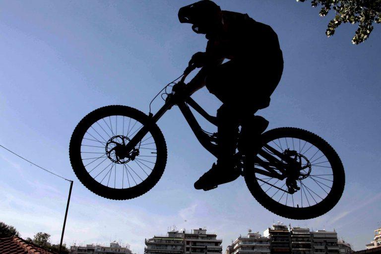 Οι Ιταλοί άφησαν το αμάξι… για το ποδήλατο! | Newsit.gr