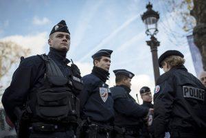 Φοβούνται χτύπημα στις γιορτές! Χιλιάδες αστυνομικοί και στρατιώτες στους δρόμους της Γαλλίας