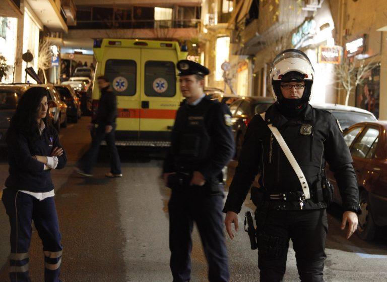 Επιθέσεις με μπουνιές, μαχαίρια και ξύλα   Newsit.gr