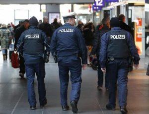 Γερμανία: Ετοίμαζαν επίθεση σε εμπορικό κέντρο