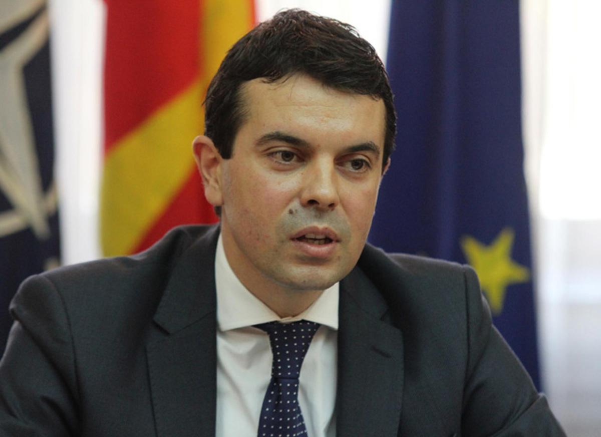 """Πόποσκι: """"Η Ελλάδα κρατά όμηρο την ΠΓΔΜ""""   Newsit.gr"""