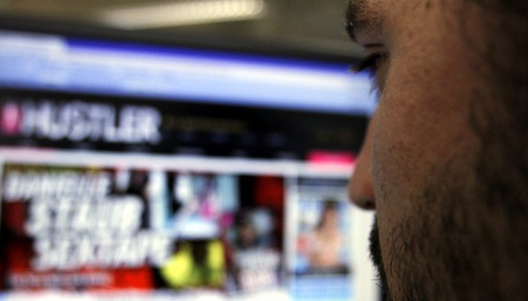 Γνωστός επιχειρηματίας βιντεοσκοπούσε τις ερωτικές του στιγμές με 100 γυναίκες | Newsit.gr