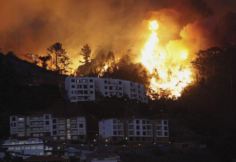 Μαίνεται η φωτιά στην Πορτογαλία – Πάνω από 200 χιλιάδες στρέμματα καμμένα | Newsit.gr