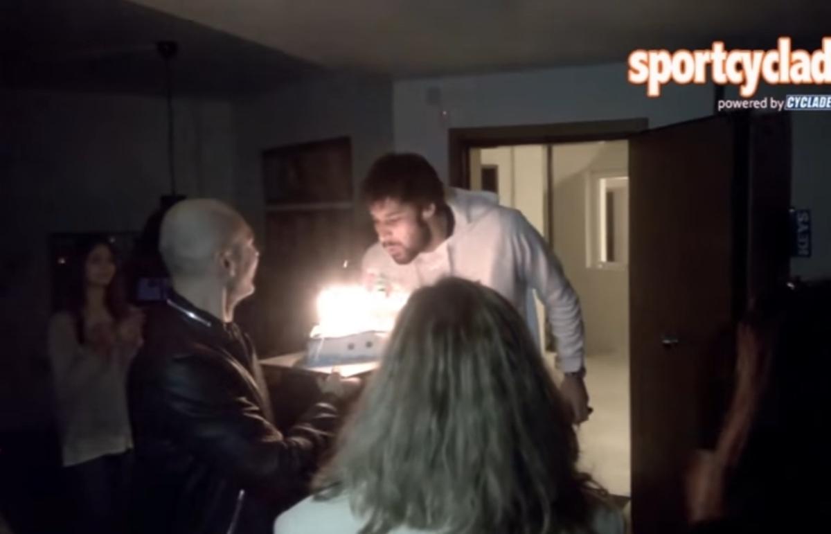 Πάρτι – έκπληξη στον Γιώργο Πρίντεζη [pic, vid]   Newsit.gr