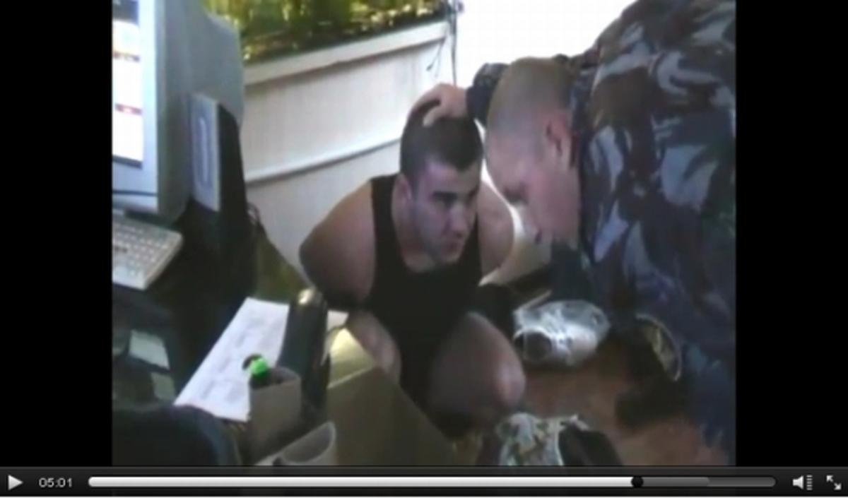 Ρωσία: Βασάνισαν κρατούμενο σε φυλακή – ΒΙΝΤΕΟ | Newsit.gr