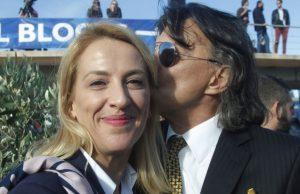 Μαραθώνιος 2016: Το «ζεστό» φιλί του Ψινάκη στη Δούρου [pics]