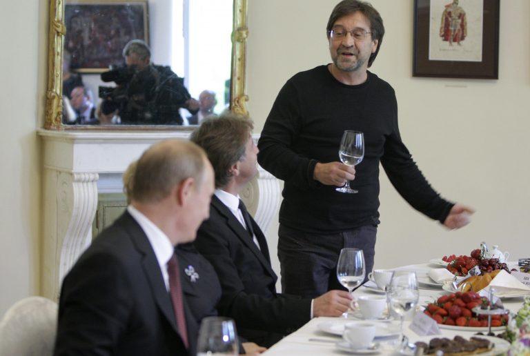 Φραστικό επεισόδιο μεταξύ Πούτιν και ροκ σταρ | Newsit.gr