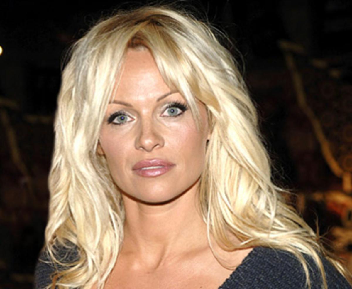 Η Pamela Anderson μεταμορφώθηκε σε Merilyn Monroe | Newsit.gr