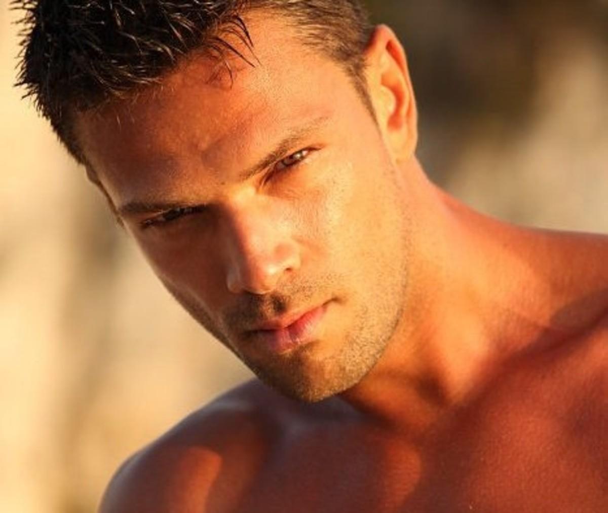 Κρητικός διεκδικεί τον τίτλο του ωραιότερου άντρα! – Video | Newsit.gr