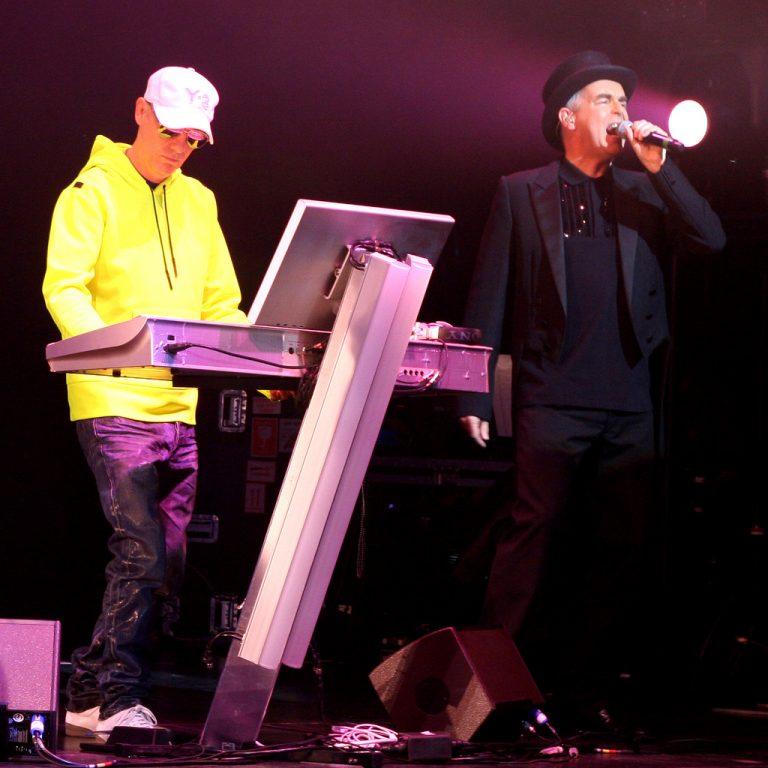 «Είναι αμαρτία» τραγουδούν ζωντανά οι Pet Shop Boys | Newsit.gr