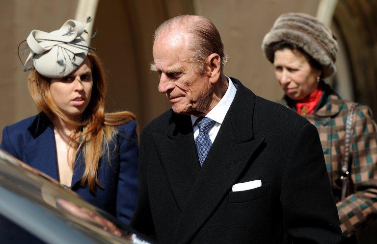 Αφήνιασαν τα άλογα, ατύχημα για τον πρίγκιπα Φίλιππο | Newsit.gr