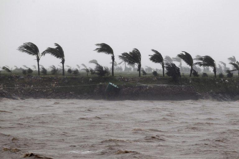 Τυφώνας χτυπά τις Φιλιππίνες με 160 χμ.την ώρα!   Newsit.gr