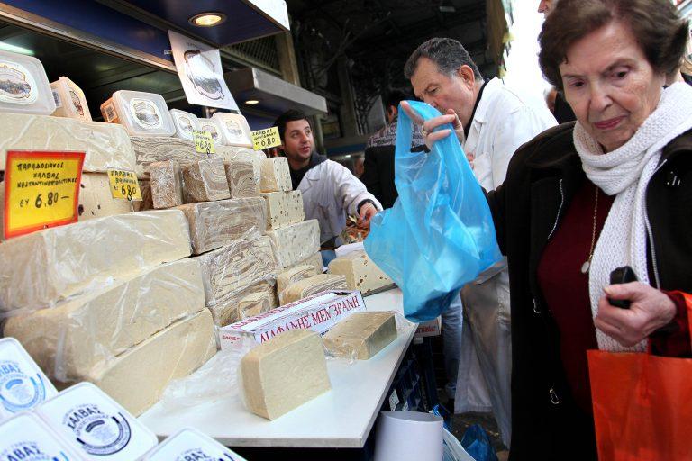 """""""Όχι"""" στην αύξηση ΦΠΑ – """"ναι"""" στο φόρο πολυτελείας λένε οι πολίτες   Newsit.gr"""