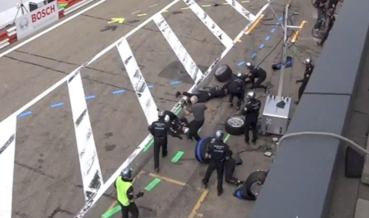 Ο Σουμάχερ παρέσυρε τέσσερις μηχανικούς – Δείτε VIDEO   Newsit.gr
