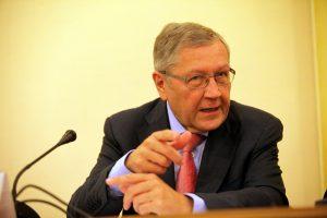 Ρέγκλινγκ: Θέλουμε να κάνουμε την Ελλάδα ελκυστική για επενδύσεις με την ελάφρυνση του χρέους της