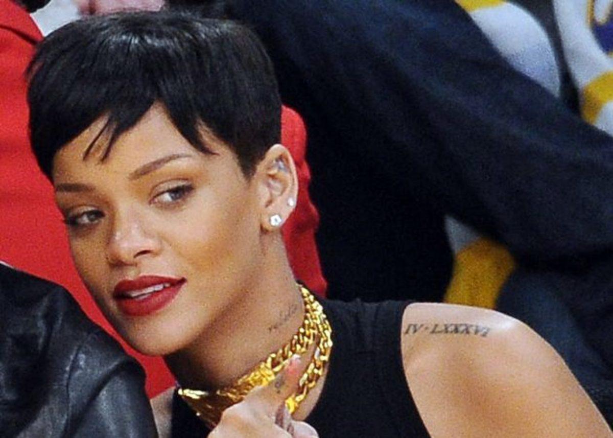 Η Rihanna άλλαξε ξανά τα μαλλιά της! Πώς έγινε αυτή την φορά; Δες εδώ! | Newsit.gr