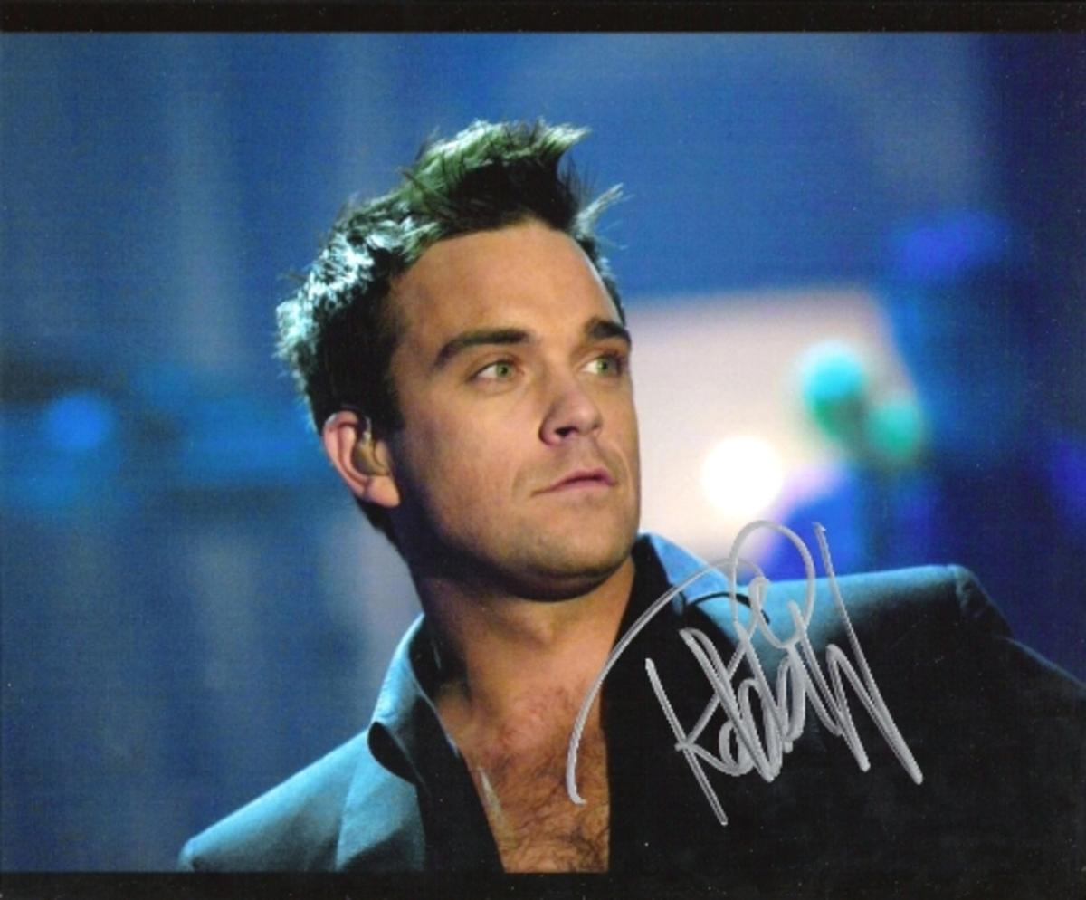 O Robbie Williams και το νέο διαστημικό του video clip! | Newsit.gr