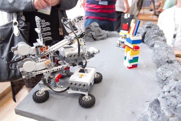 Πανελλήνιοι Διαγωνισμοί Εκπαιδευτικής Ρομποτικής: Θα «μιλήσουν» τα ρομπότ των μαθητών!   Newsit.gr