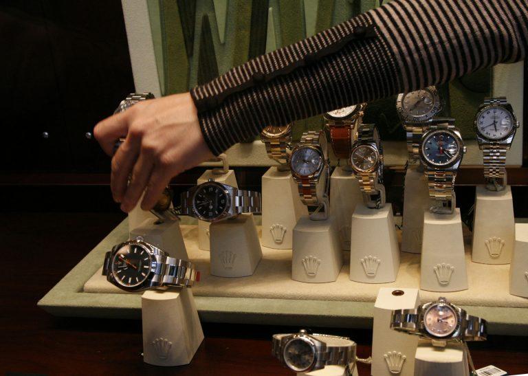 Άρπαξε χρυσό ρολόι για… αποζημίωση   Newsit.gr