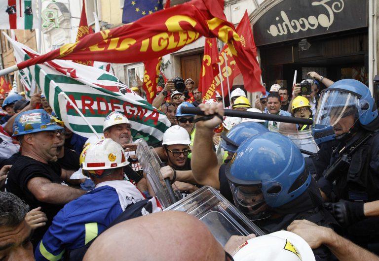 Επεισόδια στη Ρώμη σε διαδήλωση εργατών | Newsit.gr
