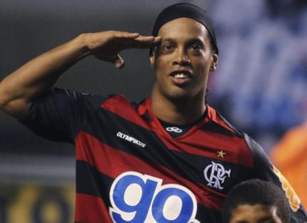 Παραμένει στη Βραζιλία ο Ροναλντίνιο | Newsit.gr