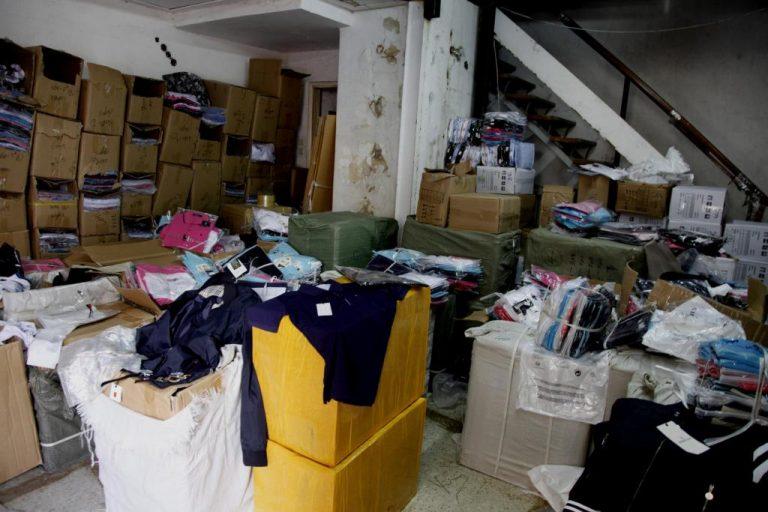 Θεσσαλονίκη: Στα χέρια της Αστυνομίας 85.000 ρούχα – «μαϊμού»   Newsit.gr