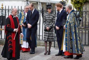 Γουίλιαμ, Κέιτ και Χάρι στο πλευρό της χήρας θύματος της επίθεσης στο Λονδίνο [pics]