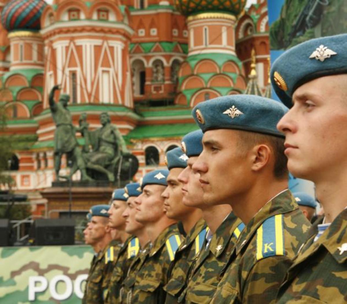 Γιατί η Ρωσία κινητοποίησε ξαφνικά μια ολόκληρη μεραρχία | Newsit.gr