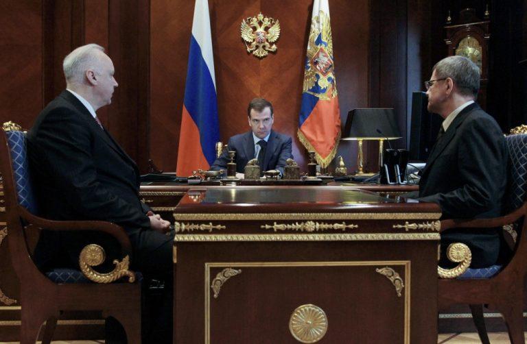 Αποπέμφθηκαν δέκα στρατηγοί για διαφθορά | Newsit.gr