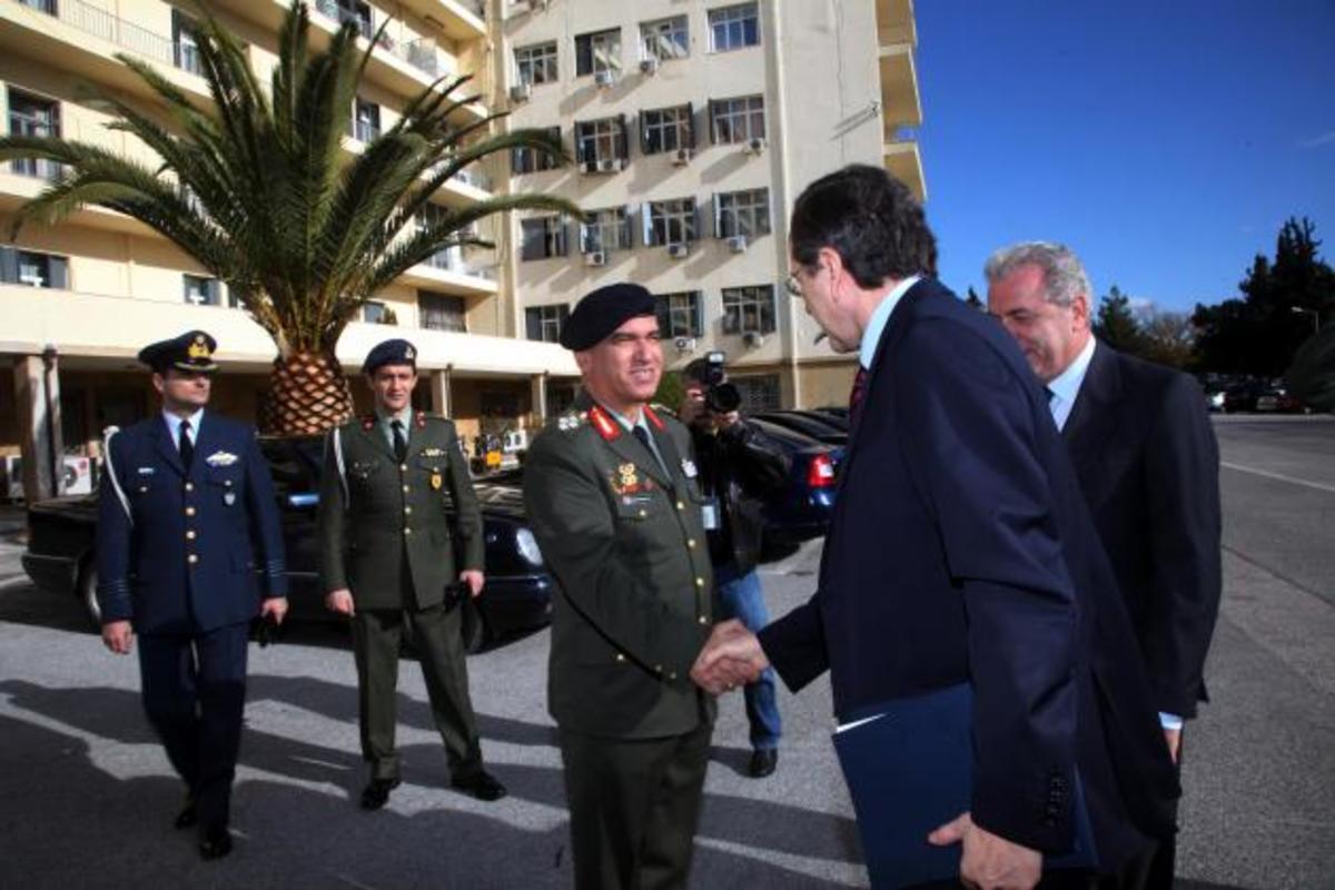 «Δεν είμαστε επαίτες κ.πρωθυπουργέ»! Απόστρατοι προς Σαμαρά   Newsit.gr