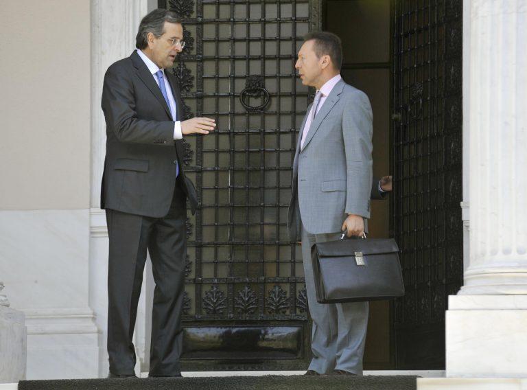 Στουρνάρας: «δεν υπάρχει περιθώριο για κατάθεση ξεχωριστών νομοσχεδίων» | Newsit.gr